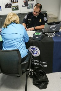 Global Entry Interview Location in Washington D.C. with a CBP officer